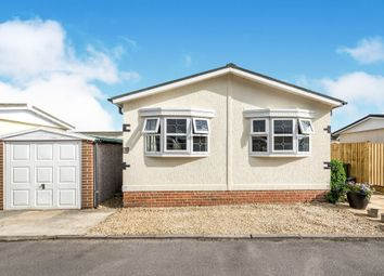 Thumbnail 2 bed mobile/park home for sale in The Crescent, Sandford-On-Thames, Oxford