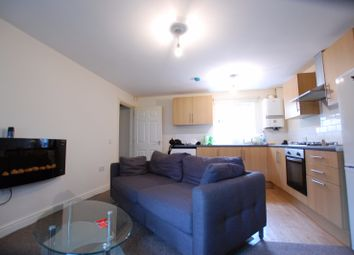 2 bed flat to rent in Club Garden Walk, Sheffield, South Yorkshire S11