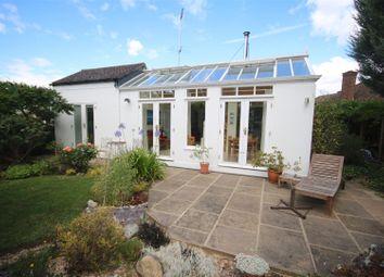 3 bed bungalow for sale in Lindal Crescent, Enfield EN2