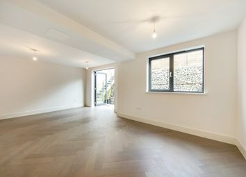 Thumbnail 4 bed mews house to rent in Brading Road, Brixton, London