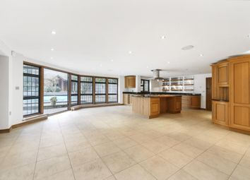 Thumbnail 7 bed detached house to rent in Silverdale Avenue, Walton-On-Thames