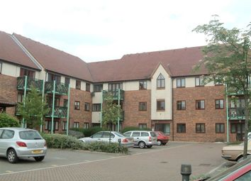 Thumbnail 1 bed flat to rent in Upton Court Road, Slough
