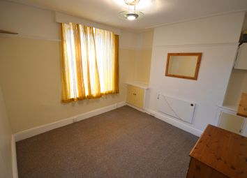 Thumbnail Studio to rent in Wellesley Road, Torquay