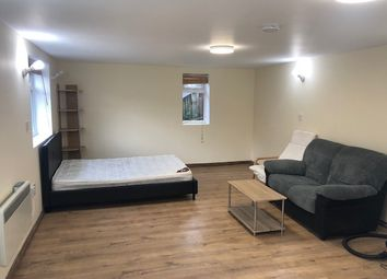 Thumbnail Studio to rent in Wyndham Crescent, Hounslow