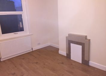 Thumbnail 5 bed shared accommodation to rent in Caedmon Road, London