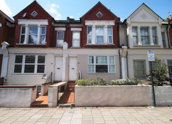 Thumbnail 3 bed flat to rent in Earlsfield Road, Earlsfield, London