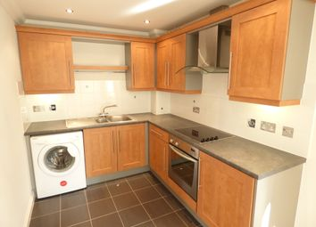Thumbnail 2 bed flat to rent in Shrub End Road, Colchester