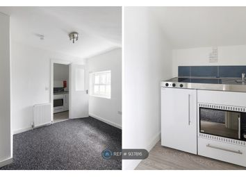 Thumbnail Room to rent in High Street Room 2, Worthing