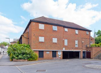Thumbnail 1 bedroom flat to rent in Summer Road, Thames Ditton