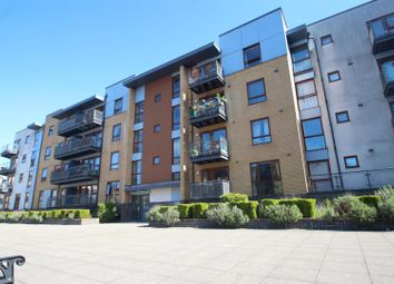 Thumbnail 2 bedroom flat for sale in Commonwealth Drive, Crawley