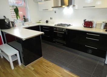 2 bed property to rent in Rillbank Lane, Hyde Park, Leeds LS3