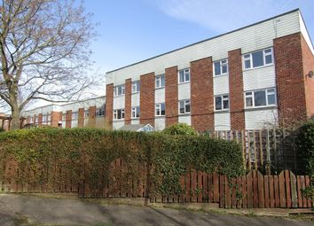 Thumbnail 2 bedroom flat to rent in Sparrow Close, Cowplain, Waterlooville