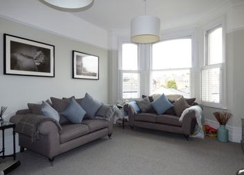 Thumbnail 2 bed flat to rent in Grove Hill Road, Tunbridge Wells