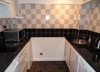 1 bed maisonette to rent in Hammet Close, Hayes, Middlesex UB4