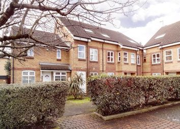 Thumbnail 5 bed flat to rent in Oxley Close, London