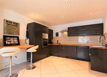 Thumbnail 2 bedroom flat to rent in Severn Road, Canton, Cardiff
