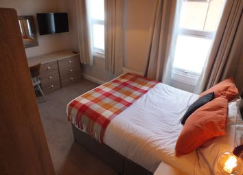 Thumbnail Room to rent in Upper Crown Street, Reading, Berkshire