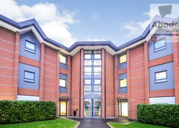 2 bed flat to rent in Farnham Road, Slough SL1