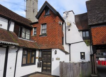2 bed flat to rent in High Street, East Grinstead RH19