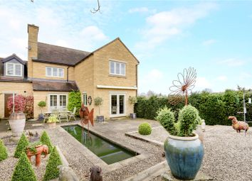 Thumbnail 4 bed detached house for sale in Gordon Close, Broadway, Worcestershire