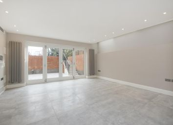Thumbnail 3 bed flat to rent in Lyndhurst Road, Hampstead NW3,
