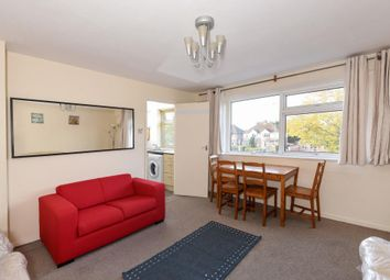 Thumbnail 2 bedroom flat for sale in Oxford Road, Kidlington