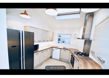 4 bed end terrace house to rent in Oxford Street, Middlesbrough TS1