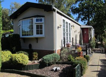 2 bed mobile/park home for sale in Fangrove Park, Lyne Lane (Ref 6011), Chertsey, Surrey KT16