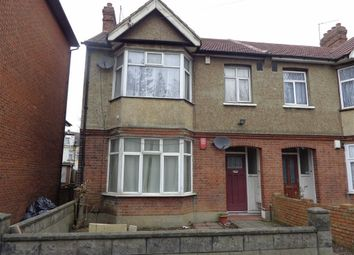 Thumbnail Flat to rent in Park Avenue, Southall, Middlesex