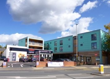Thumbnail 2 bed flat to rent in Queens Road, Cheltenham