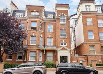Thumbnail 3 bedroom flat to rent in Cannon Hill, London