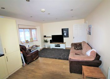 Thumbnail 1 bedroom maisonette for sale in Turners Road North, Luton