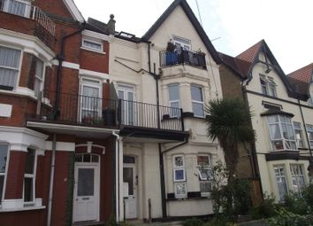 Thumbnail 1 bed flat to rent in Grosvenor Road, Westcliff-On-Sea