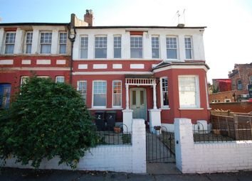 2 bed maisonette to rent in Sylvan Avenue, London N22