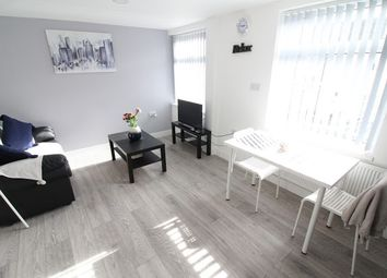 Thumbnail 1 bed flat to rent in Russell Street, Cathays, Cardiff