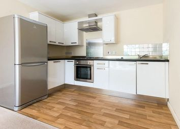 Thumbnail 2 bed flat to rent in Mount Terrace, Halifax