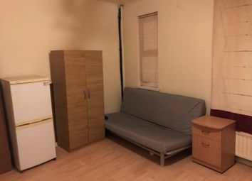 Thumbnail Studio to rent in Francis Road, London
