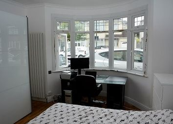 Thumbnail 5 bed flat to rent in Cadwallon Road, Eltham, London