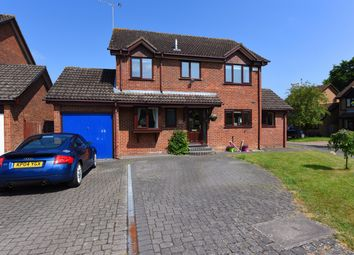 Thumbnail 4 bed detached house for sale in Arun Close, Winnersh, Wokingham