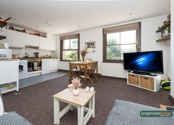 Loftus Road, Shepherds Bush, London W12. 3 bed flat