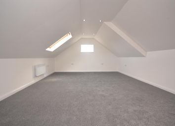 Thumbnail 1 bed flat to rent in Northumberland Avenu, Reading
