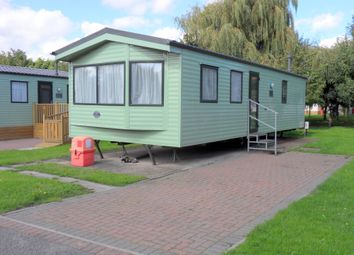 Thumbnail 1 bed mobile/park home for sale in Silverhill Holiday Park, Lutton Gowts, Lutton, Spalding, Lincolnshire