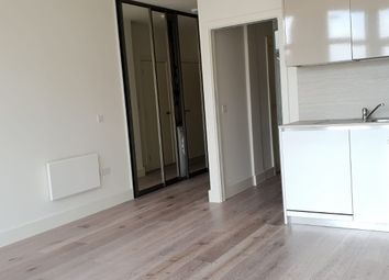 Thumbnail 1 bed flat to rent in Hayes, Hayes, Middlesex