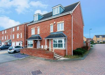 4 bed town house for sale in Heather Court, Castleford WF10