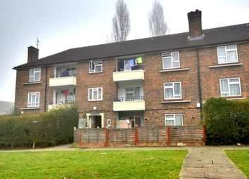 Thumbnail 2 bed flat to rent in Lindfield Road, Romford