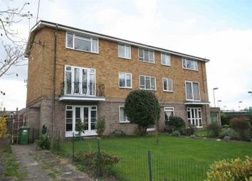 Thumbnail 2 bedroom flat to rent in Guys Cliffe Avenue, Leamington Spa