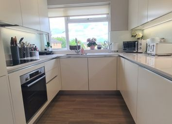 Thumbnail 1 bed flat for sale in Stafford Close, Oakwood London