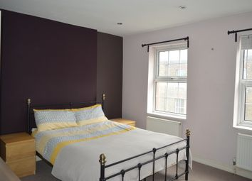 Thumbnail Room to rent in Greenwich South Street, London