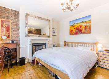Thumbnail 3 bedroom terraced house for sale in Hoxton Street, Hoxton