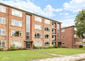 Thumbnail 2 bedroom flat for sale in Thatcham Court, High Road, Whetstone